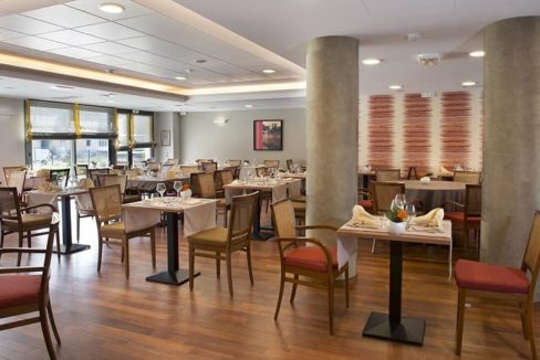 Cavaillon-senior-ville-restaurant