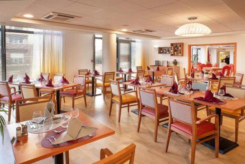 Villeneuve-le-Roi-senior-ville-restaurant
