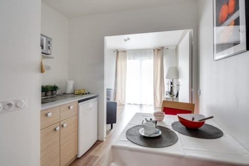 appartement-residence-senior-avrille-girandiere