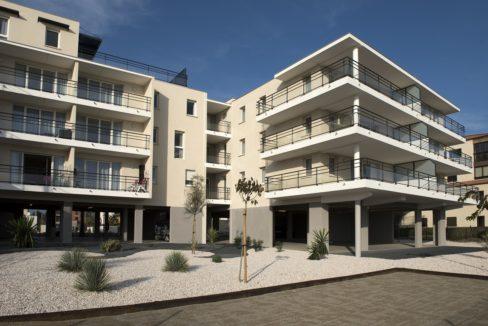 banniere-facade-residence-senior-saint-cyprien-domitys