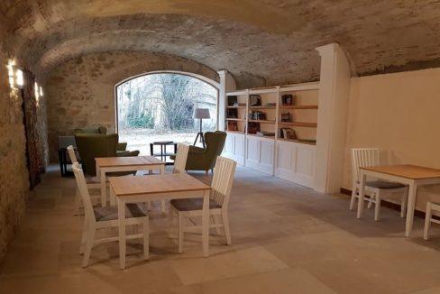 bibliotheque-residence-senior-le-clos-du-val-de-drome