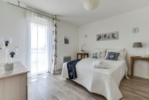 chambre-residence-senior-osny-girandieres