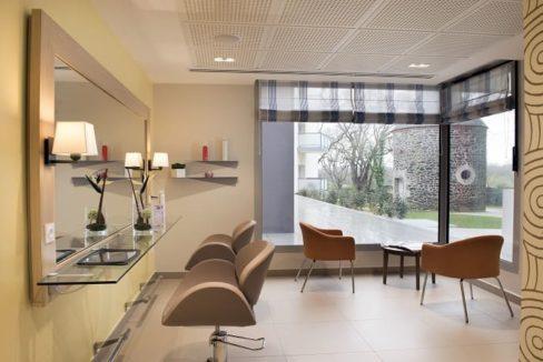 coiffeur-residence-senior-domitys-portes-atlantique