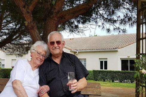 couple-senior-residence-senior-sables-dolonne-les-residentiels