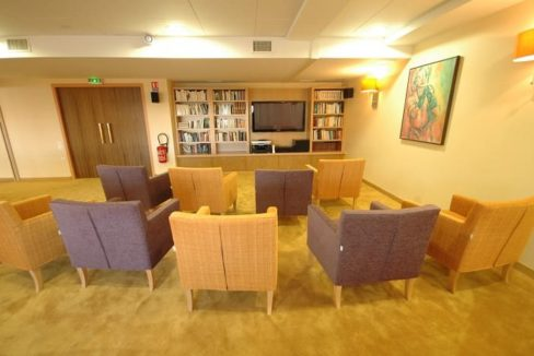 espace-commun-residence-senior-montlucon-domitys