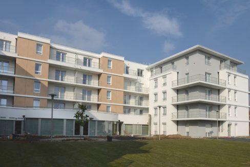 exterieur-residence-senior-domitys-parc-saint-cloud