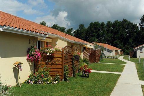 exterieur-residence-senior-hinx-senioriales (1)