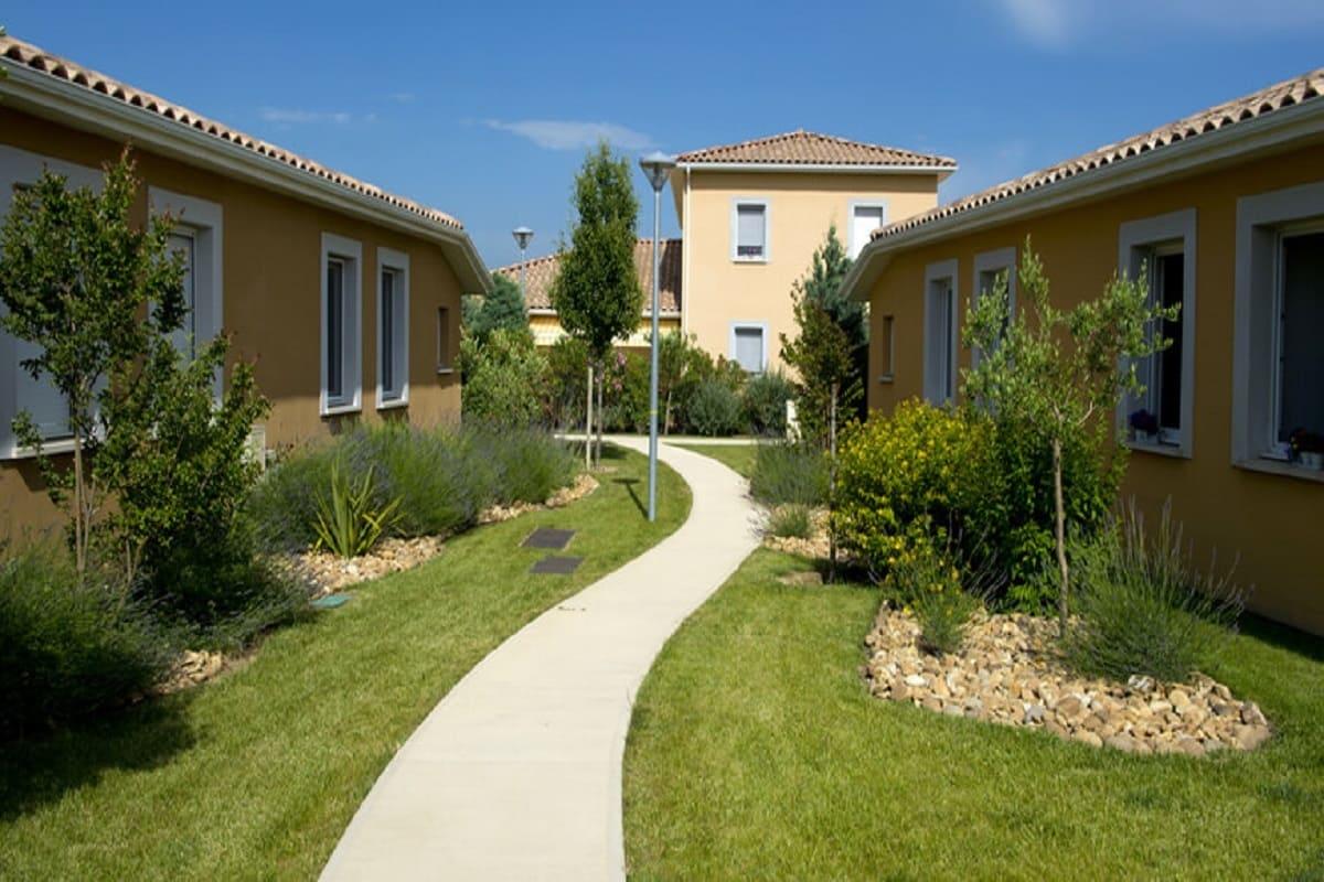 exterieur-residence-senior-jonquieres-senioriales