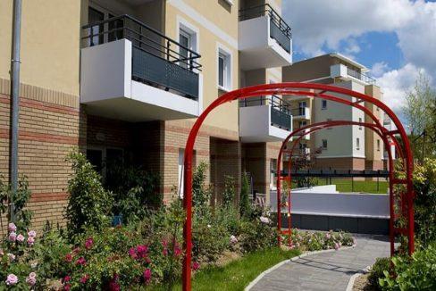 exterieur-residence-senior-luce-senioriales
