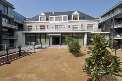 exterieur-residence-seniors-amboise-domitys