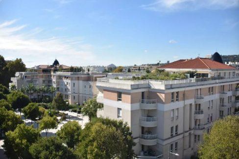 exterieur1-residence-senior-la-villa-du-béal-cagnes-sur-mer
