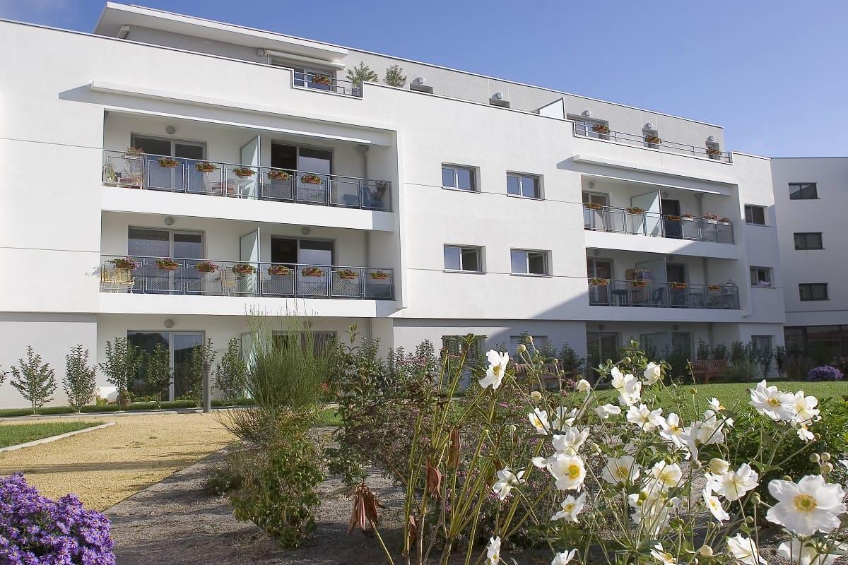 facade-exteiruer-residence-senior-le-clos-saint-martin