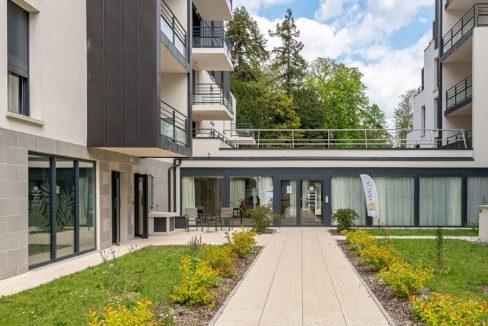 facade exterieur-residence-Le clos de la reine blanche-ovelia