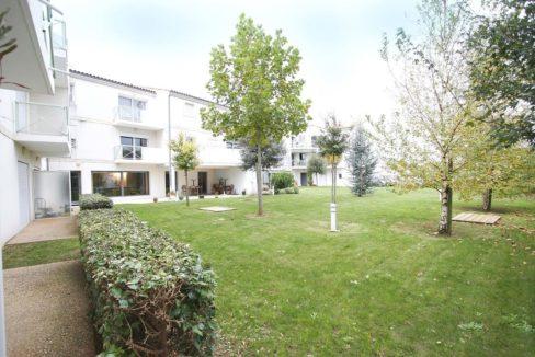 facade-exterieur-residence-senior-clos-du-cedre-domitys