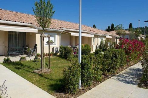 facade-residence-senior-cavillargues-senioriales