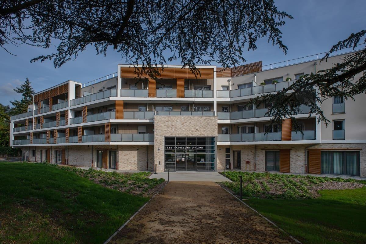 facade-residence-senior-domitys-saint-quentin