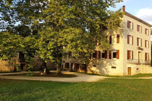 facade-residence-senior-le-clos-du-val-de-drome