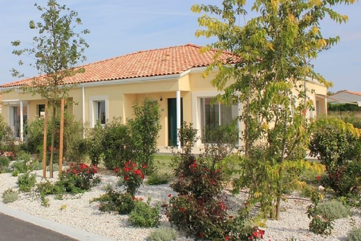facade-residence-senior-medicis-senioriales