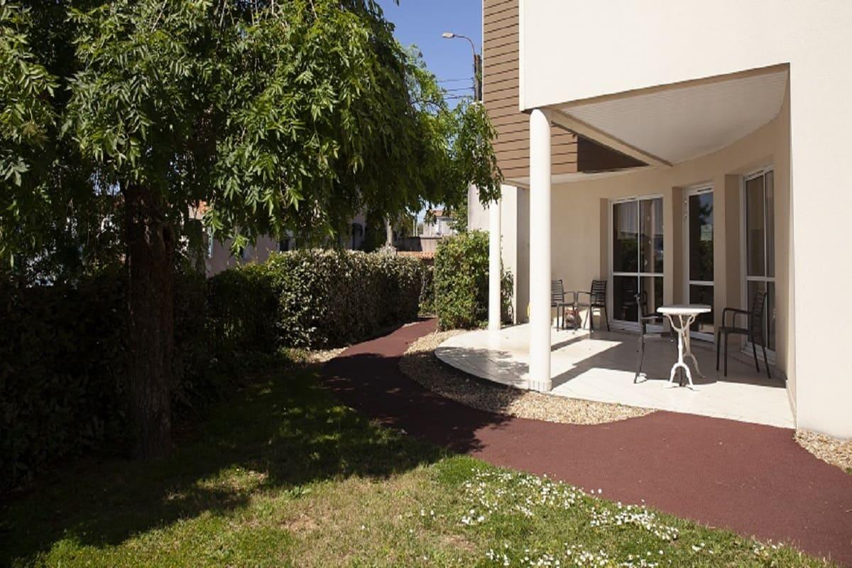 facade-residence-senior-niort-residentiels