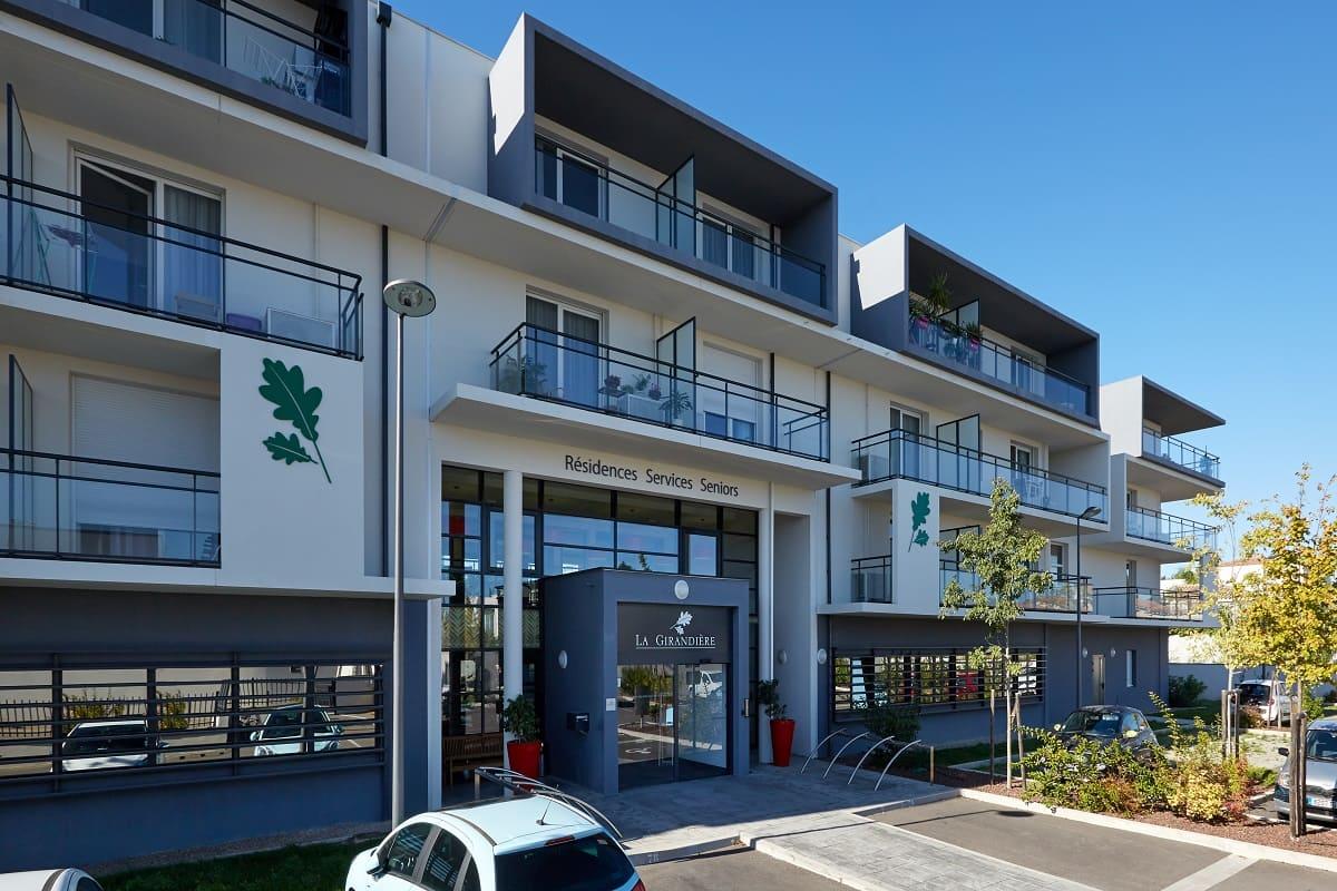 facade-residence-senior-perpignan-girandieres