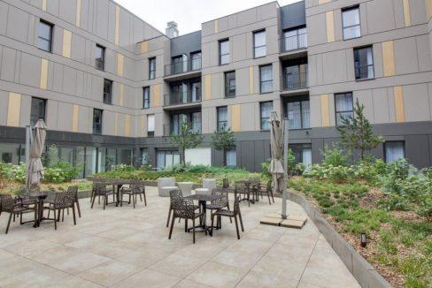 facade-residence-senior-st-malo-girandieres