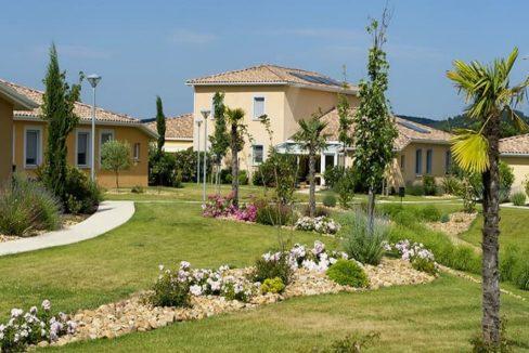 jardin-residence-senior-jonquieres-senioriales