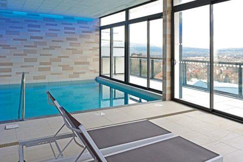 piscine-residence-senior-annecy-ovelia