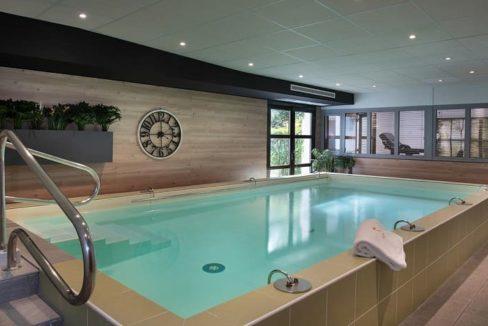 piscine-residence-senior-dax-domitys