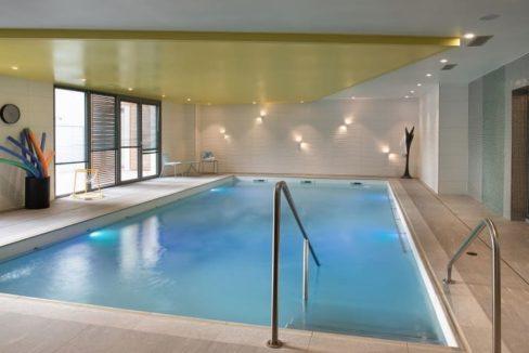 piscine-residence-senior-domitys-saint-quentin