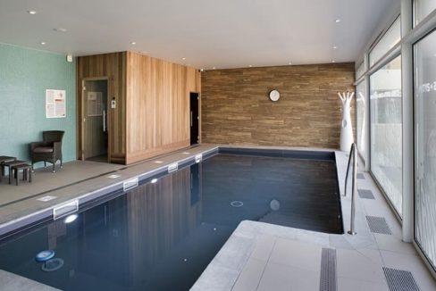 piscine-residence-senior-douarmenez-domitys