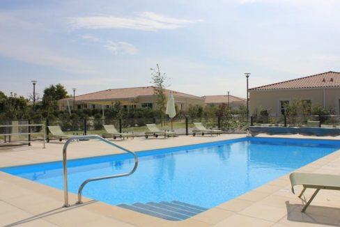 piscine-residence-senior-medicis-senioriales