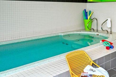 piscine-residence-senior-montlucon-domitys