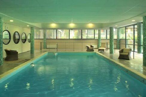 piscine-residence-seniors-amboise-domitys