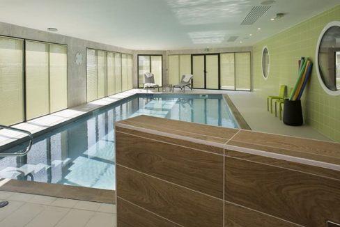 piscine-residence-seniors-saint-james-domitys-1