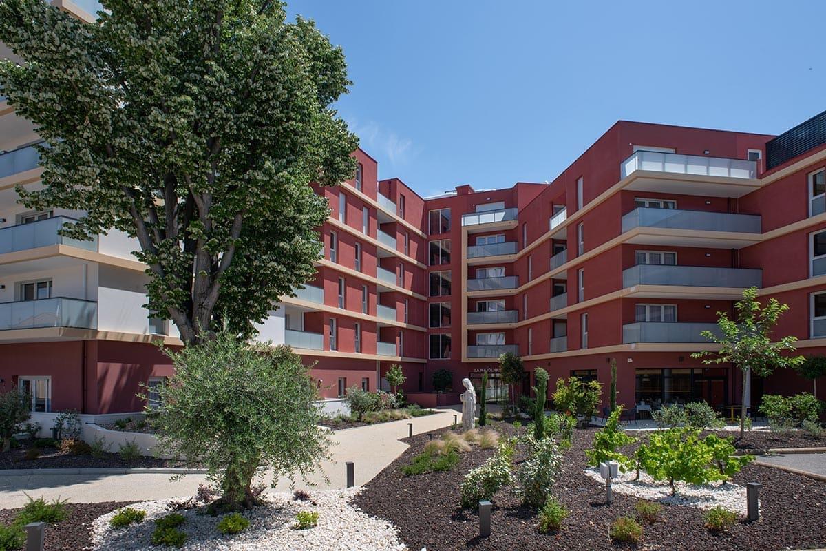 residence-senior-beziers-exterieur (1)