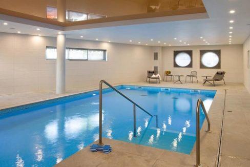 residence-senior-domitys-piscine