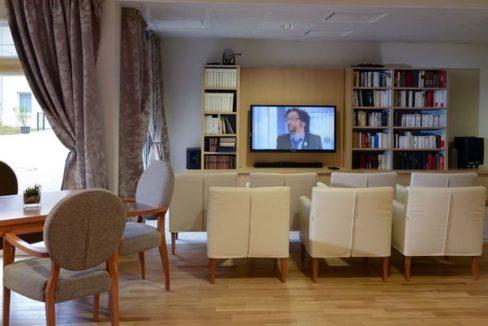 residence-seniors-courseulles-sur-mer-domitys-salon
