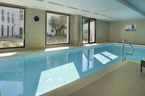 residence-seniors-orthez-domitys-piscine