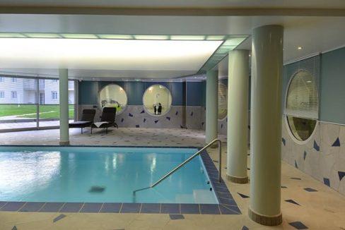 residence-seniors-panazol-domitys-piscine