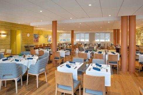 restaurant - domitys - lanternes bleues