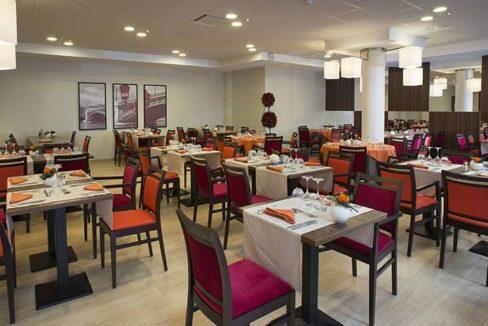 restaurant-residence-senior-le-pont-des-lumieres-domitys
