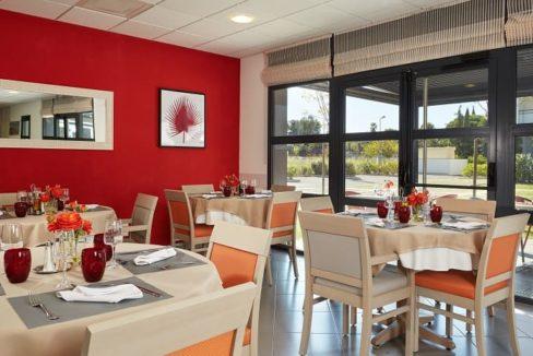 restaurant-residence-senior-perpignan-girandieres