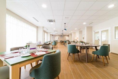 restaurant-residence-senior-valence-jda