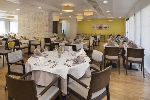 restaurant-residence-seniors-saint-james-domitys-1
