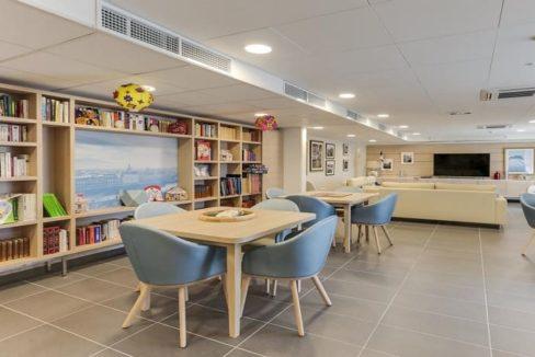 salle-d-activite-residence-senior-bourgoin-girandiere