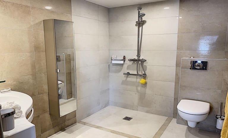 salle-de-bain-villa-sully-le-cannet