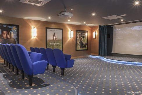 salle-de-cinema-residence-senior-bouc-bel-air-montana