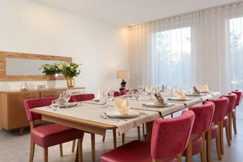 salle-privé-residence-senior-mulhouse-girandieres