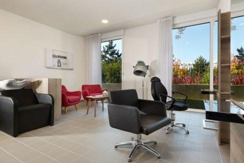 salon-de-coiffure-residence-senior-mulhouse-girandieres