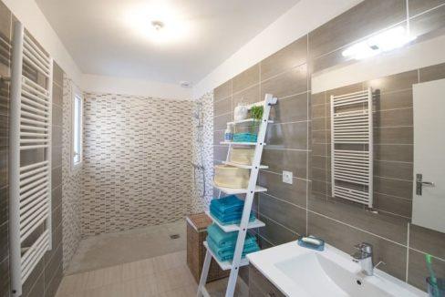 senioriales-nandy-salle-de-bain